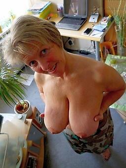 nude elder mom free porn pics