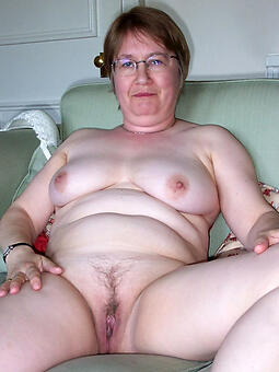 nude elder statesman mom
