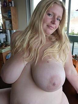 sexy mom lay bare free pics