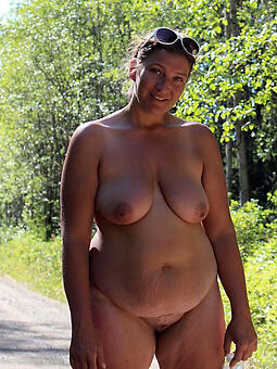 beamy nude old lady free porn pics