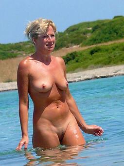 juggs mature nude shore