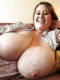 hotties big boob overprotect pics