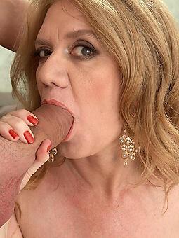 pretty mom gives blowjob
