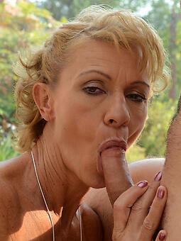perfect sexy mom blowjob