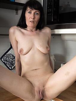 porn pictures of brunette ladies