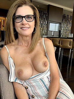 old woman with glasses free naked pics