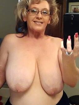 hot mom big tits stripping