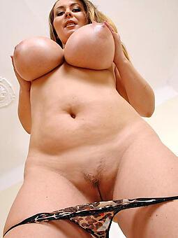 sexy lady tits free naked pics
