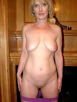 xxx taking naked ladies pics