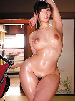 hot sexy curvy nude ladies stripping